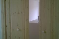 puerta abatible madera natural