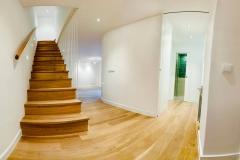 escaleras y suelos de madera